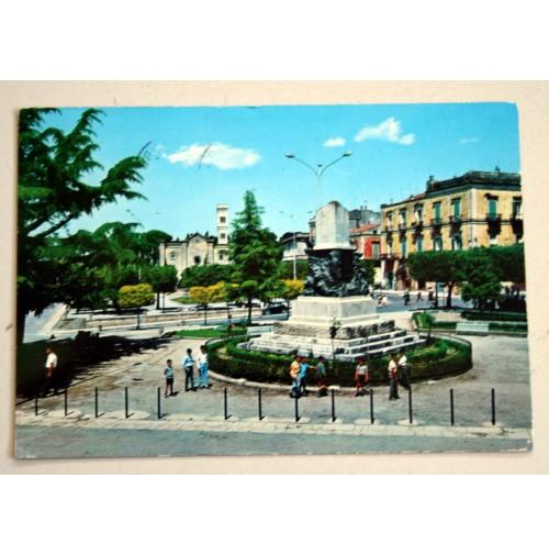 CARTOLINA ALTAMURA BARI MONUMENTO AI CADUTI  1975 VIAGGIATA