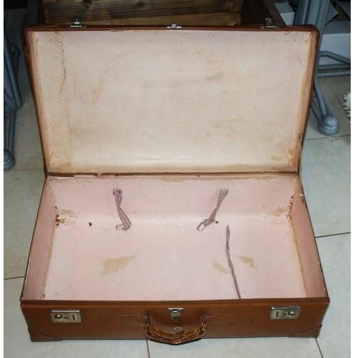 VALIGIA VINTAGE ANNI 40 50 BAULE DA VIAGGIO VECCHIA IN FIBRA ADESIVI HOTEL  royal 1db4cdcb39c